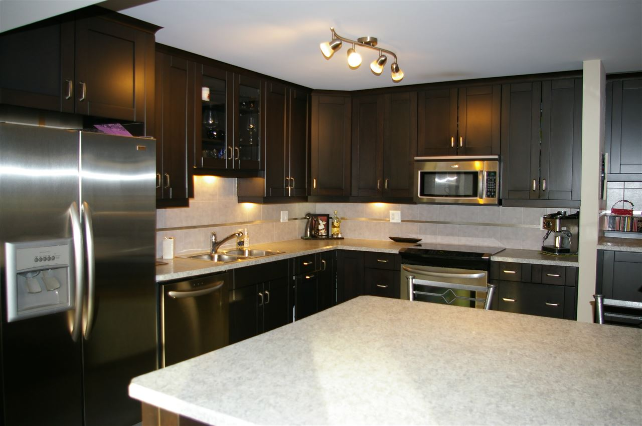 Main Photo: 403 14810 51 Avenue in Edmonton: Zone 14 Condo for sale : MLS(r) # E4065264