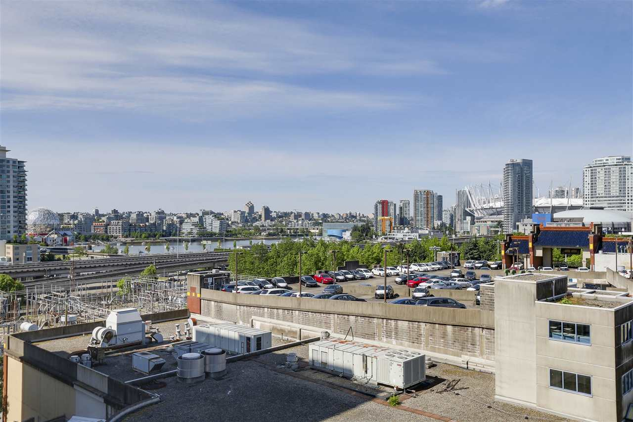 "Photo 11: 1003 188 KEEFER Street in Vancouver: Downtown VE Condo for sale in ""188 KEEFER BY WEST BANK"" (Vancouver East)  : MLS(r) # R2178974"