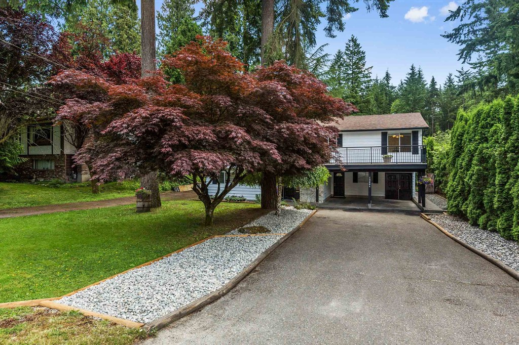 "Main Photo: 19684 42 Avenue in Langley: Brookswood Langley House for sale in ""Brookswood"" : MLS® # R2180174"
