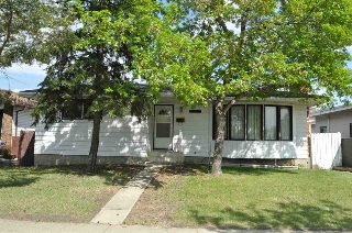 Main Photo:  in Edmonton: Zone 27 House for sale : MLS(r) # E4070346