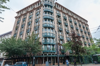 "Main Photo: 303 22 E CORDOVA Street in Vancouver: Downtown VE Condo for sale in ""Van Horne"" (Vancouver East)  : MLS® # R2191464"