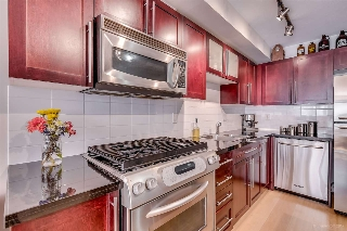 "Main Photo: 311 122 E 3RD Street in North Vancouver: Lower Lonsdale Condo for sale in ""SAUSALITO"" : MLS® # R2196856"