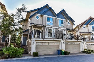 "Main Photo: 22 20120 68 Avenue in Langley: Willoughby Heights Townhouse for sale in ""The Oaks"" : MLS® # R2208326"