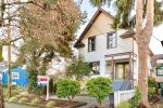 Main Photo: 976 E 14TH Avenue in Vancouver: Mount Pleasant VE House for sale (Vancouver East)  : MLS® # R2226791