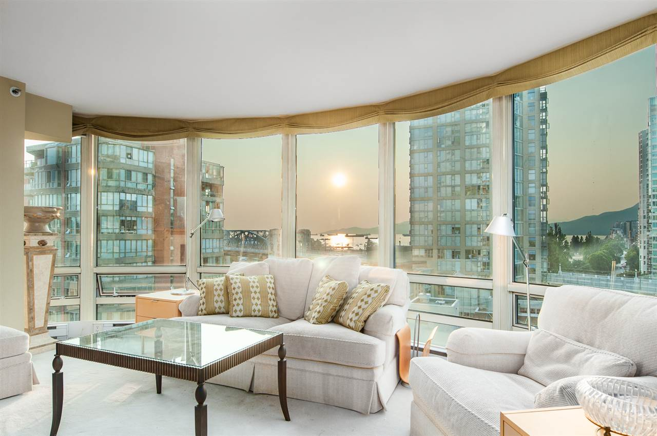 "Main Photo: 1509 1500 HORNBY Street in Vancouver: Yaletown Condo for sale in ""888 BEACH"" (Vancouver West)  : MLS®# R2294230"