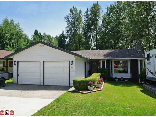 Main Photo: 33968 Fern Street in Abbotsford: House for sale