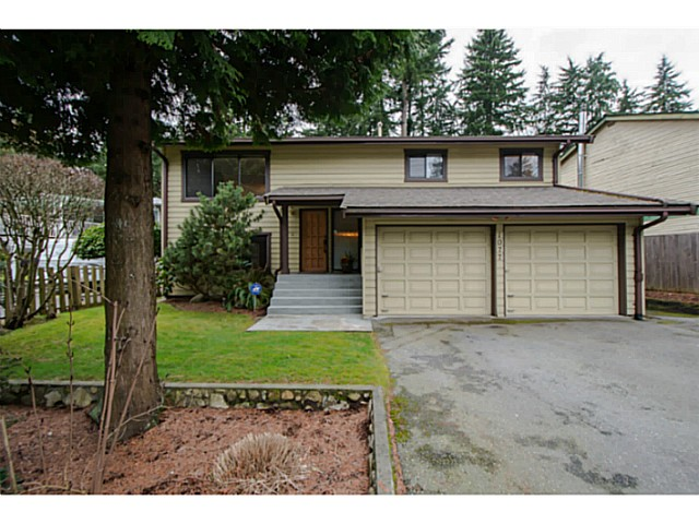 Main Photo: 1077 MOUNTAIN Highway in North Vancouver: Westlynn House for sale : MLS® # V1053444