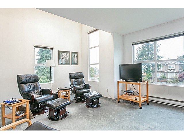 Photo 9: 1588 E 41ST Avenue in Vancouver: Knight House for sale (Vancouver East)  : MLS® # V1089979