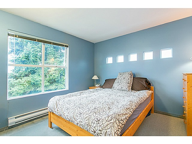 Photo 3: 1588 E 41ST Avenue in Vancouver: Knight House for sale (Vancouver East)  : MLS® # V1089979
