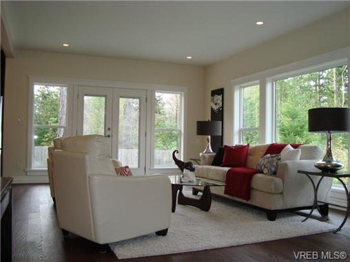 Photo 4: 23 Channery Place in VICTORIA: VR View Royal Single Family Detached for sale (View Royal)  : MLS® # 331636