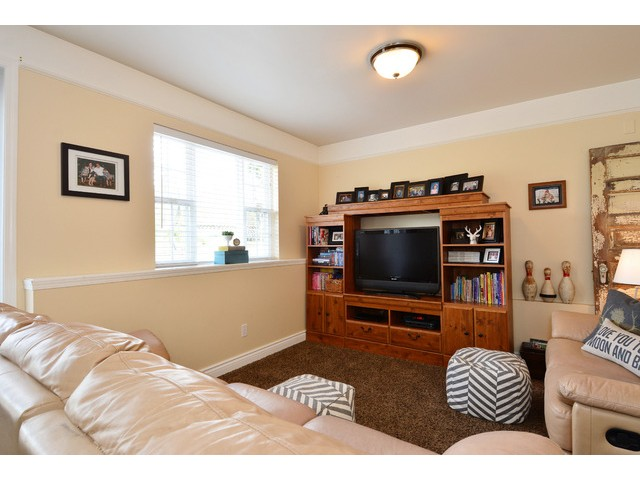 "Photo 11: 12355 NEW MCLELLAN Road in Surrey: Panorama Ridge House for sale in ""Panorama Ridge"" : MLS® # F1437155"