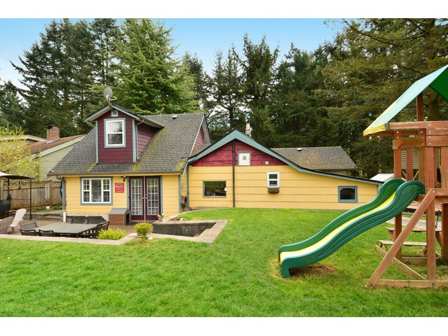 "Photo 2: 12355 NEW MCLELLAN Road in Surrey: Panorama Ridge House for sale in ""Panorama Ridge"" : MLS® # F1437155"