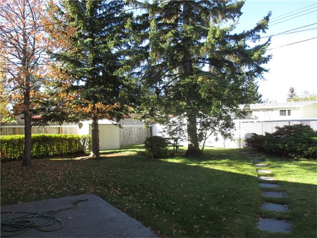 Photo 6: 5707 LAWSON Place SW in Calgary: Lakeview House for sale : MLS® # C4034051