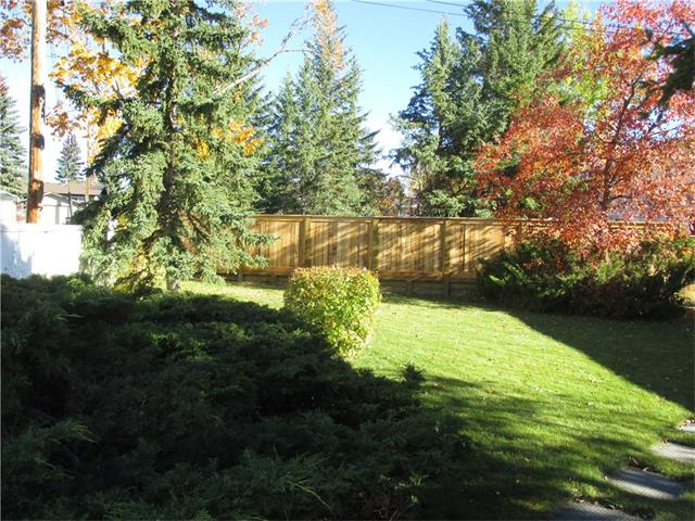 Photo 5: 5707 LAWSON Place SW in Calgary: Lakeview House for sale : MLS® # C4034051