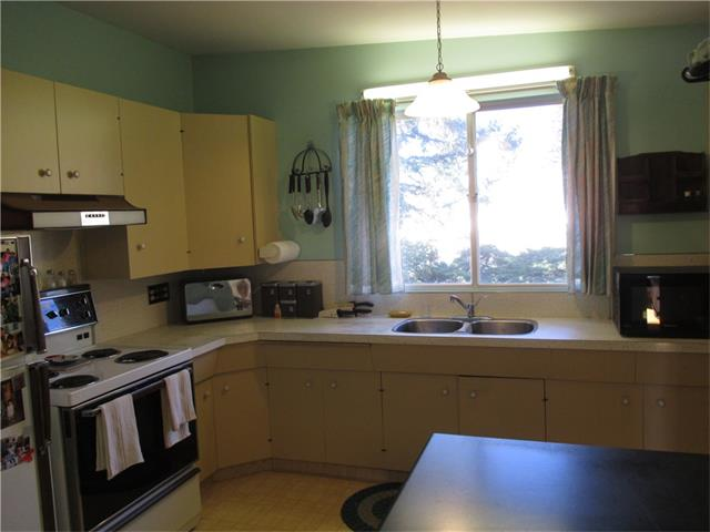 Photo 9: 5707 LAWSON Place SW in Calgary: Lakeview House for sale : MLS® # C4034051