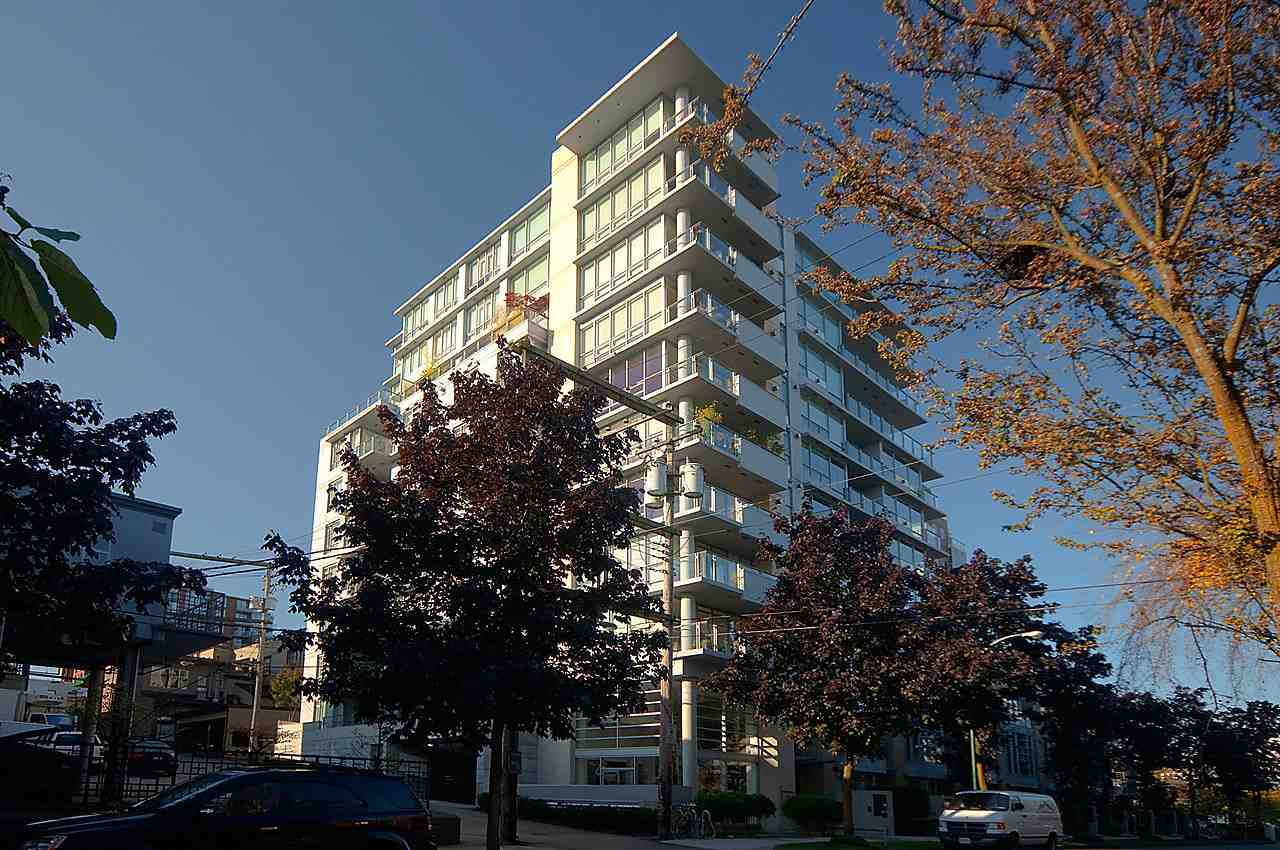 "Main Photo: 1002 1530 W 8TH Avenue in Vancouver: Fairview VW Condo for sale in ""PINTURA"" (Vancouver West)  : MLS® # R2058765"