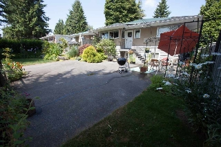 Main Photo: 22034 LOUGHEED Highway in Maple Ridge: West Central House for sale : MLS(r) # R2058894
