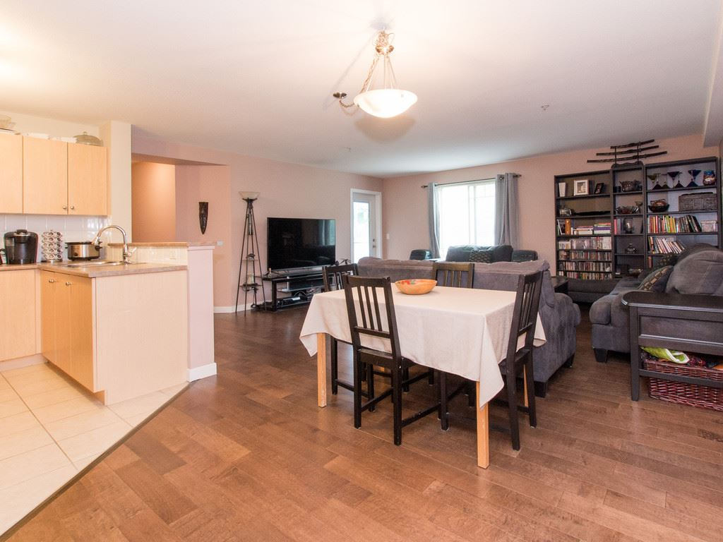 "Main Photo: 2317 244 SHERBROOKE Street in New Westminster: Sapperton Condo for sale in ""COPPERSTONE"" : MLS® # R2092226"