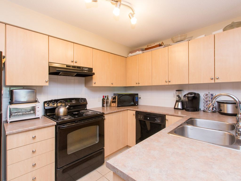 "Photo 10: 2317 244 SHERBROOKE Street in New Westminster: Sapperton Condo for sale in ""COPPERSTONE"" : MLS® # R2092226"