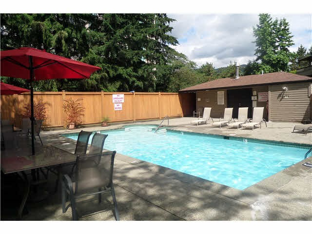 "Photo 16: 210 1195 PIPELINE Road in Coquitlam: New Horizons Condo for sale in ""DEERWOOD COURT"" : MLS® # R2109258"