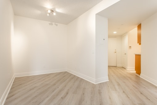 Photo 3: 829 15 Northtown Way in Toronto: Willowdale East Condo for sale (Toronto C14)  : MLS® # C3620934