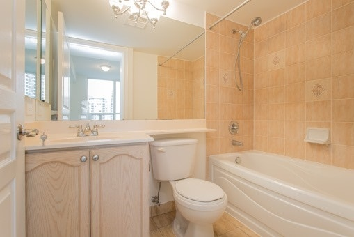 Photo 9: 829 15 Northtown Way in Toronto: Willowdale East Condo for sale (Toronto C14)  : MLS® # C3620934