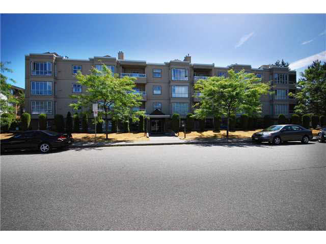 Main Photo: 404 5078 IRVING STREET in : Forest Glen BS Condo for sale : MLS® # V1135062