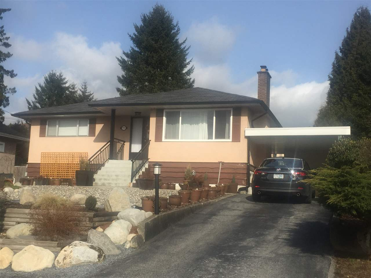 Main Photo: 933 STEWART Avenue in Coquitlam: Maillardville House for sale : MLS® # R2137092