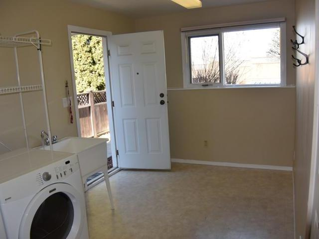 Photo 6: Photos: 2062 GLADSTONE DRIVE in : Sahali House for sale (Kamloops)  : MLS® # 139217