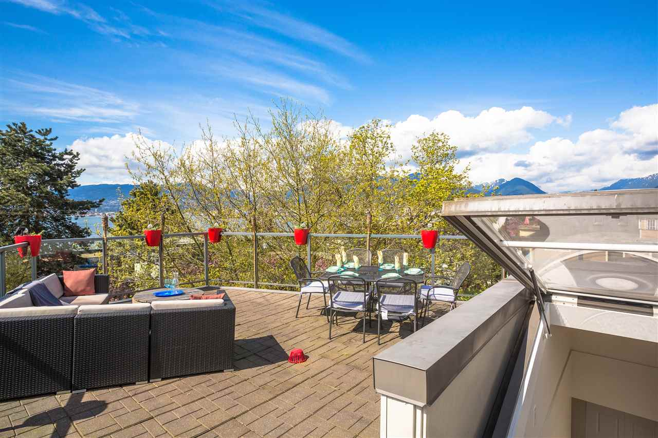 Photo 3: 2110 ETON STREET in Vancouver: Hastings Townhouse for sale (Vancouver East)  : MLS® # R2161026