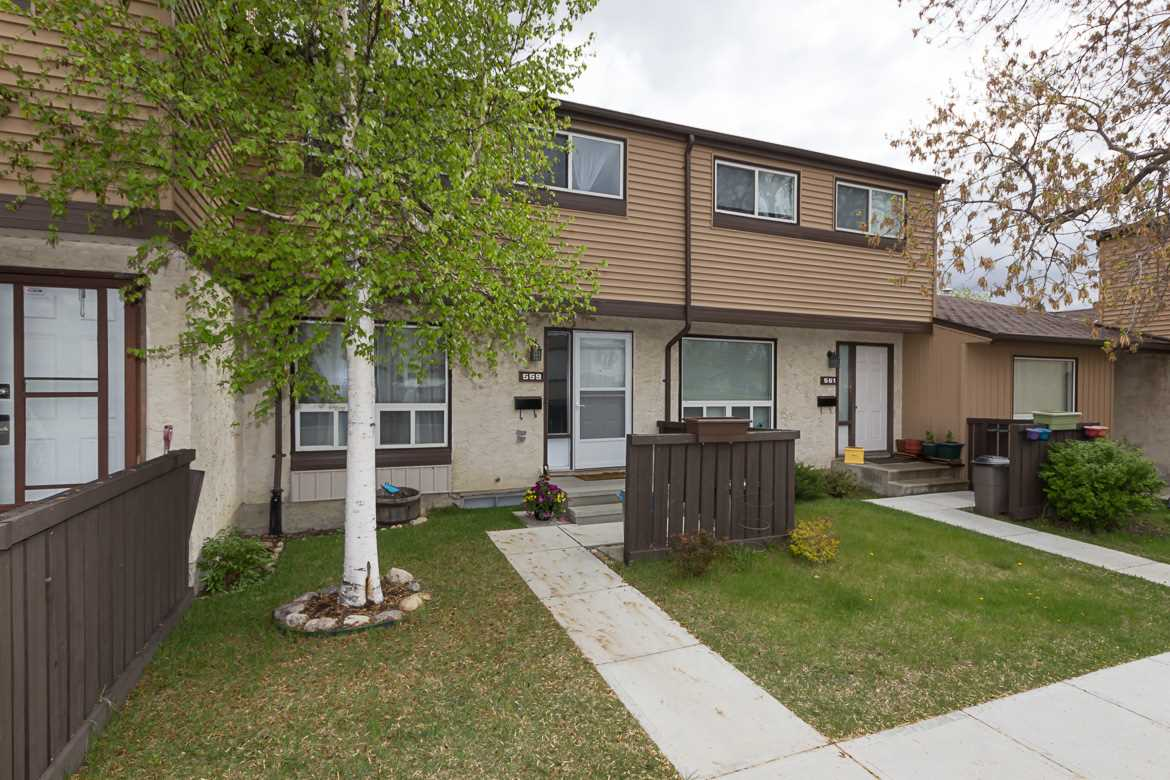 Main Photo: 559 KNOTTWOOD Road W in Edmonton: Zone 29 Townhouse for sale : MLS(r) # E4064726