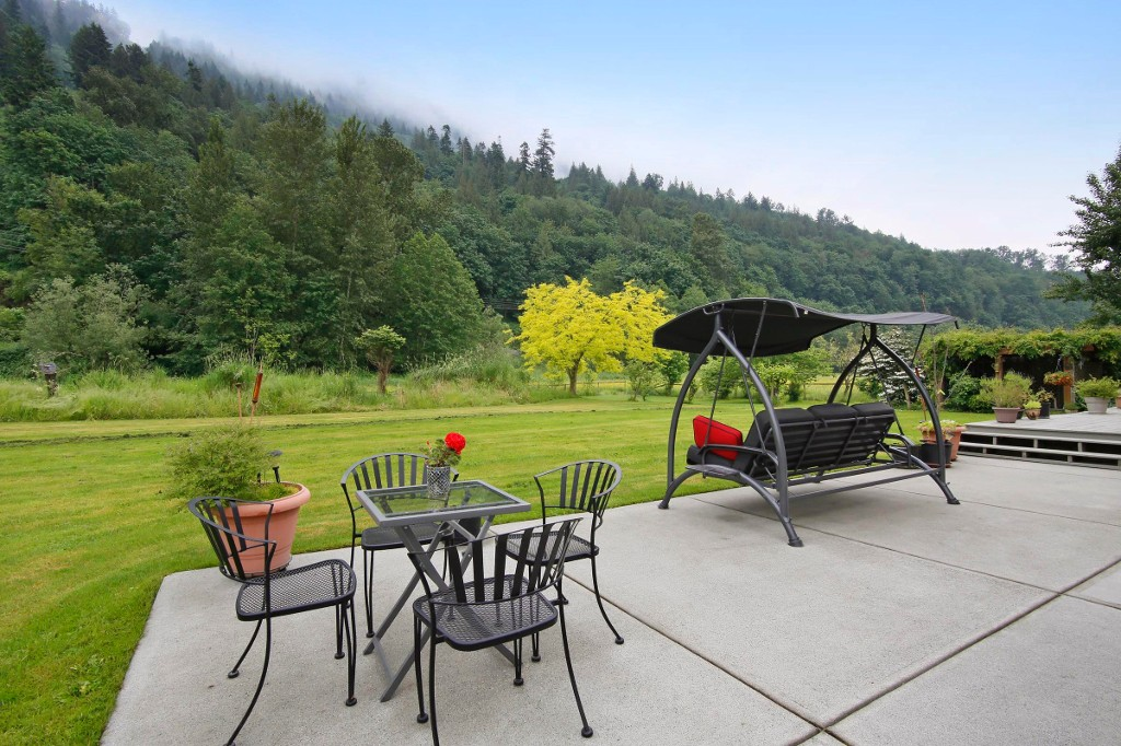 "Photo 15: 40218 WELLS LINE Road in Abbotsford: Sumas Prairie House for sale in ""SUMAS PRAIRIE"" : MLS(r) # R2172038"