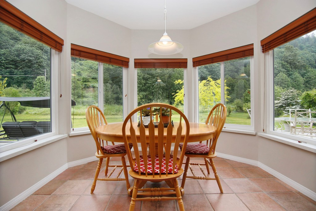 "Photo 8: 40218 WELLS LINE Road in Abbotsford: Sumas Prairie House for sale in ""SUMAS PRAIRIE"" : MLS(r) # R2172038"