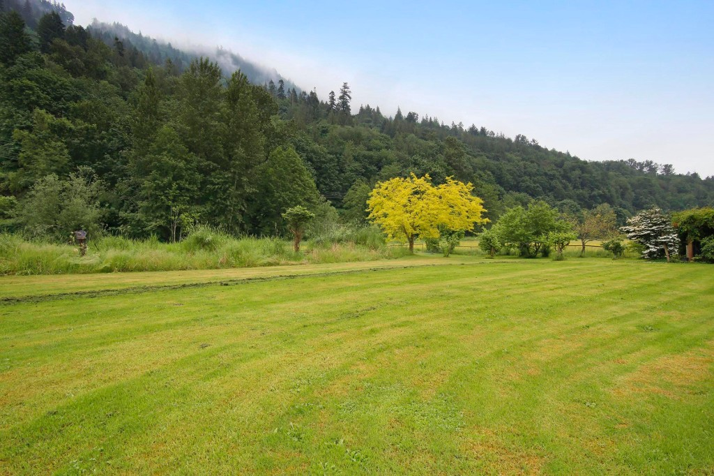 "Photo 17: 40218 WELLS LINE Road in Abbotsford: Sumas Prairie House for sale in ""SUMAS PRAIRIE"" : MLS(r) # R2172038"