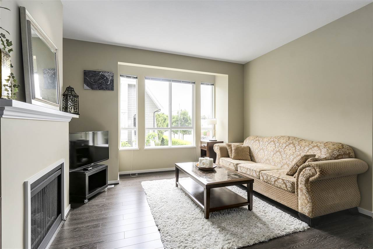 "Photo 3: 39 9133 SILLS Avenue in Richmond: McLennan North Townhouse for sale in ""LEIGHTON GREEN"" : MLS(r) # R2172228"