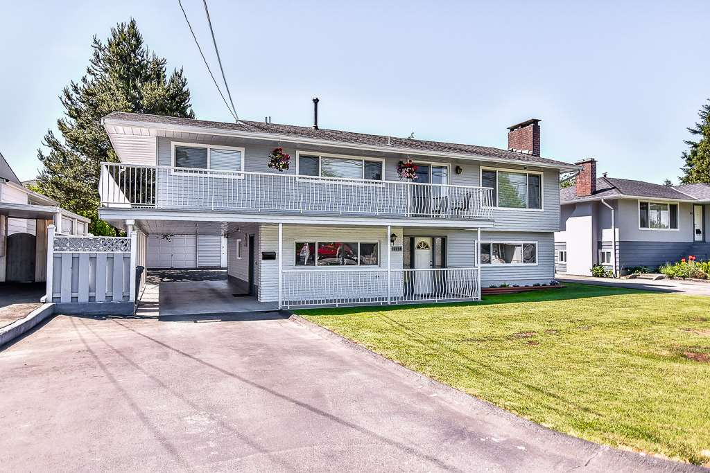 Main Photo: 13098 106A Avenue in Surrey: Whalley House for sale (North Surrey)  : MLS®# R2173119