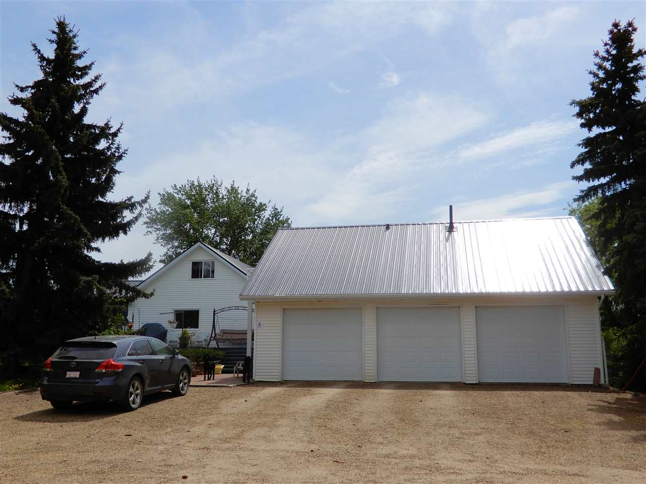 Photo 2: 55109 Range Road 260: Rural Sturgeon County House for sale : MLS® # E4068603