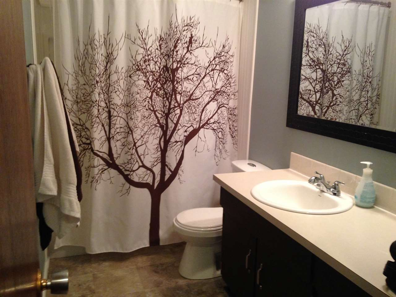 Updated four piece bathroom.