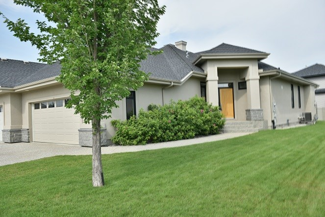 Main Photo: 6205 MAYNARD PT. Point NW in Edmonton: Zone 14 House Half Duplex for sale : MLS® # E4075681