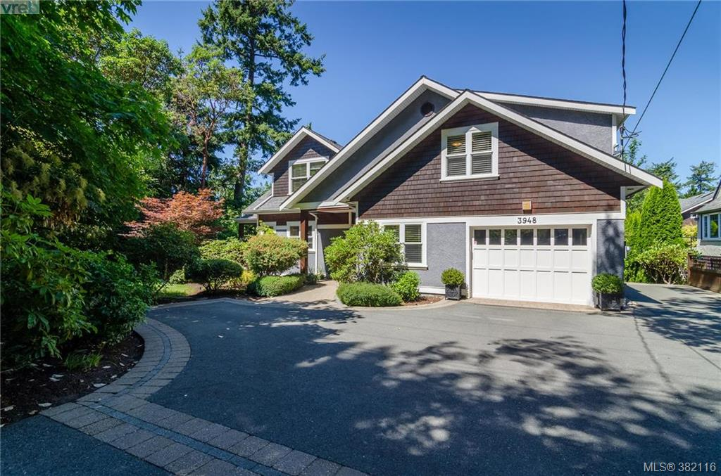Main Photo: 3948 Telegraph Bay Road in VICTORIA: SE Queenswood Single Family Detached for sale (Saanich East)  : MLS® # 382116
