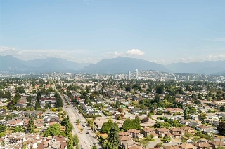 "Main Photo: 3202 5515 BOUNDARY Road in Vancouver: Collingwood VE Condo for sale in ""Wall Centre Central Park"" (Vancouver East)  : MLS® # R2208071"