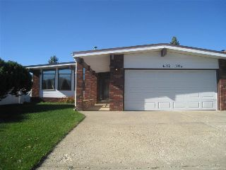 Main Photo: 4132 110 Street in Edmonton: Zone 16 House for sale : MLS® # E4084106