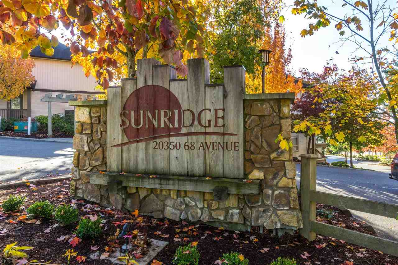 "Main Photo: 13 20350 68 Avenue in Langley: Willoughby Heights Townhouse for sale in ""SUNRIDGE"" : MLS®# R2216625"