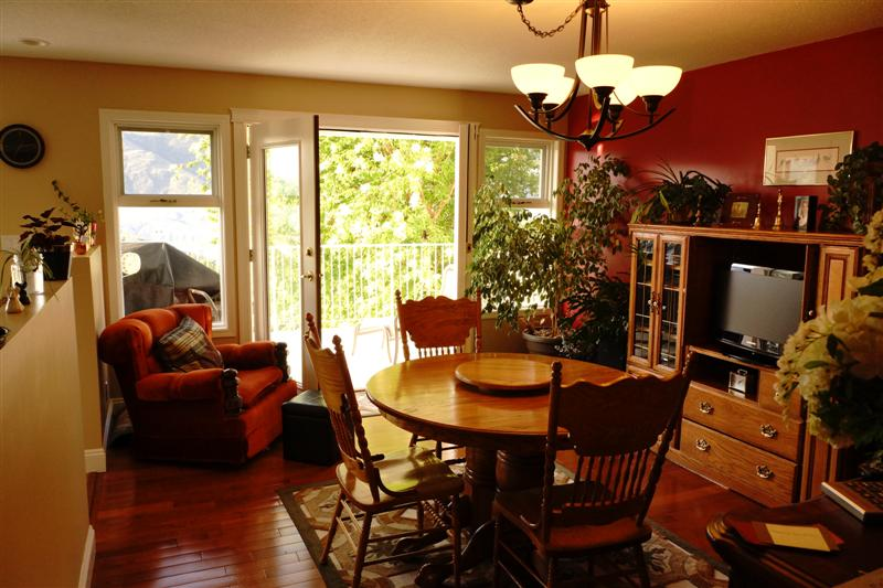 Photo 11: 2150 Skeena Drive in Kamloops: Juniper Heights Residential Detached for sale : MLS(r) # 111488