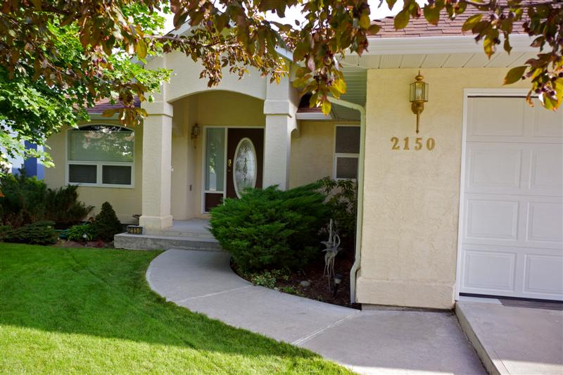 Photo 2: 2150 Skeena Drive in Kamloops: Juniper Heights Residential Detached for sale : MLS(r) # 111488
