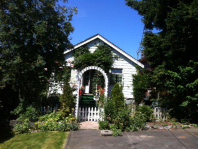 Main Photo: 943  LEE ST in White_Rock: White Rock House for sale (South Surrey White Rock)  : MLS® # F1316437