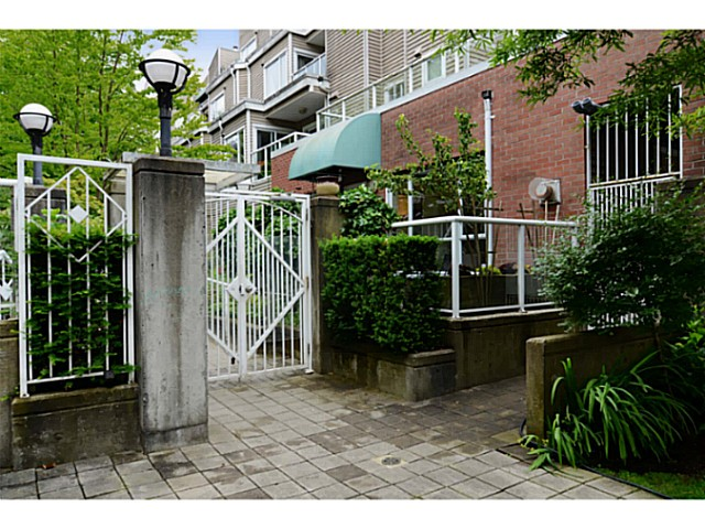 FEATURED LISTING: 101 - 789 16TH Avenue West Vancouver
