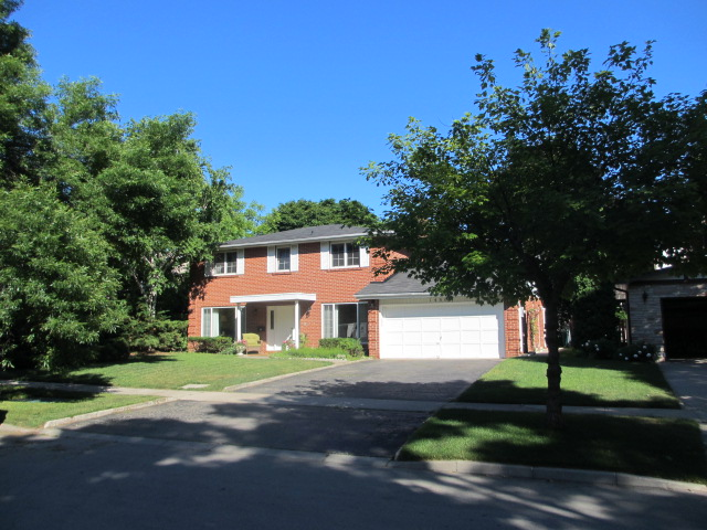 Main Photo: 1486 Durham Street in Oakville: Eastlake House (2-Storey) for sale : MLS(r) # W2949173