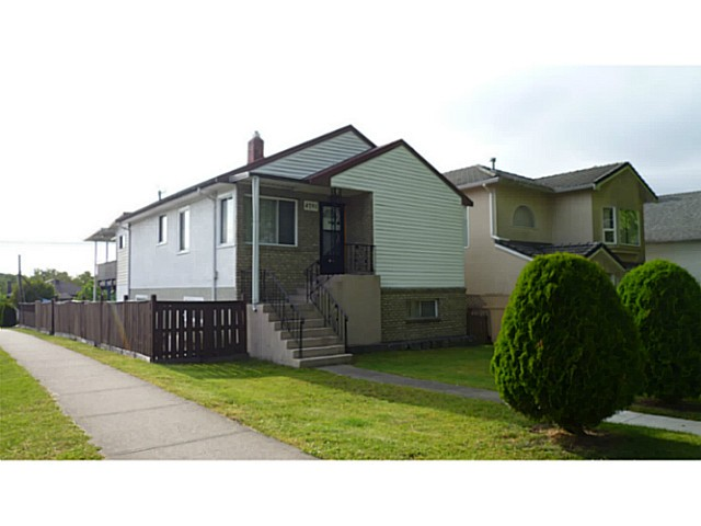 Main Photo: 4791 FLEMING Street in Vancouver: Knight House for sale (Vancouver East)  : MLS®# V1125306