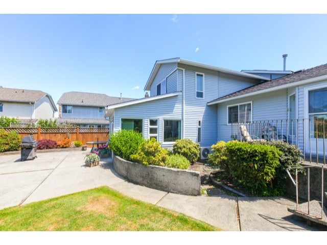 "Photo 18: 5247 BENTLEY Drive in Ladner: Hawthorne House for sale in ""HAWTHORNE"" : MLS(r) # V1128574"